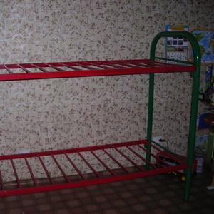 Кровать металлическая,  2х-ярусная,  в хорошем состоянии