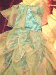 Продам нарядное платье для девочки на рост 115-128